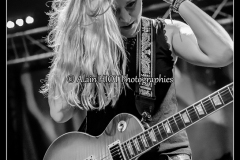 joanne-shaw-taylor-new-morning_15088470434_o
