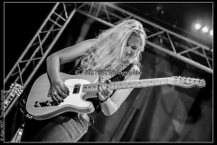 joanne-shaw-taylor-new-morning_15523135658_o
