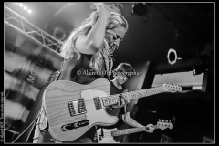 joanne-shaw-taylor-new-morning_15523313697_o
