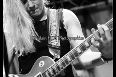 joanne-shaw-taylor-new-morning_15684752786_o